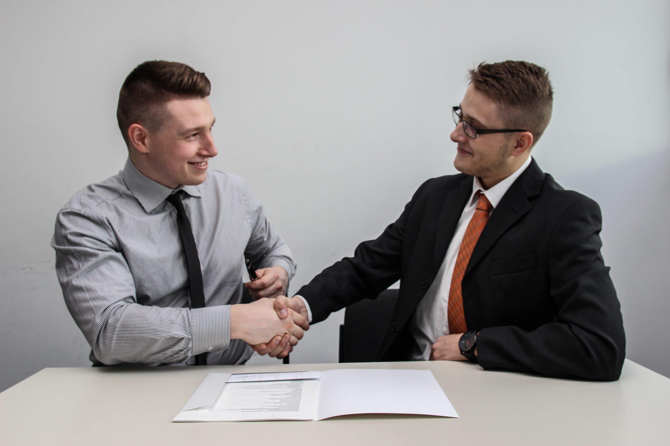 Świadectwo pracy – charakterystyka oraz obowiązek wydania