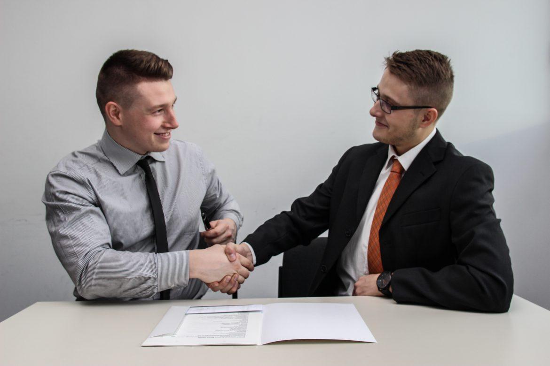 Umowa o zakazie konkurencji i umowa o poufności – definicje, różnice i zasady sporządzenia